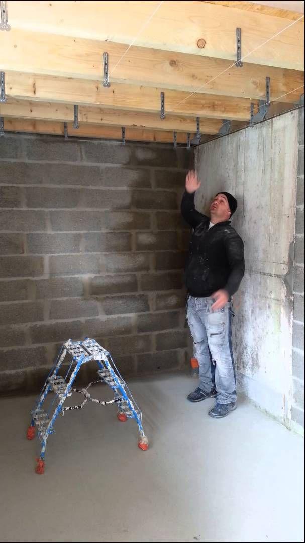 Comment mettre les suspentes du faux plafond placo 1er - Refaire un plafond en placo ...