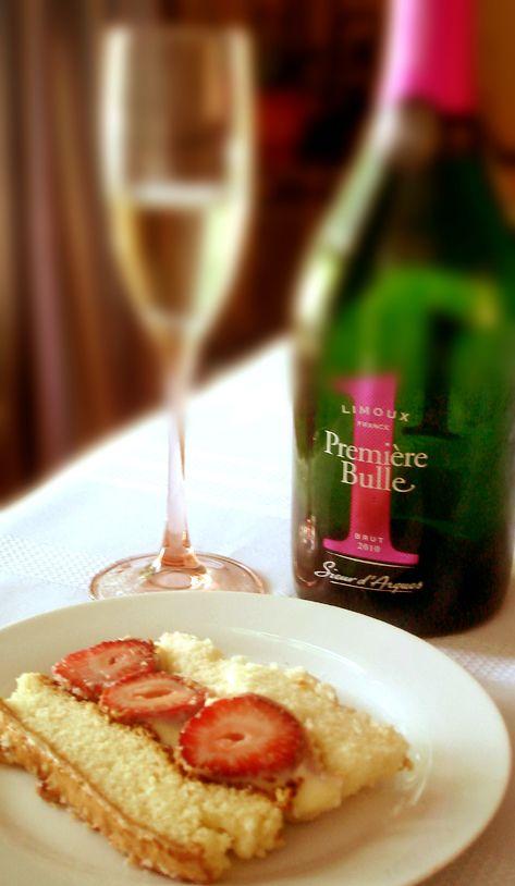 Pour une graduation, un mousseux Sieur d'Arques Première bulle Blanquette de Limoux et un fraisier, effet garanti au dessert.