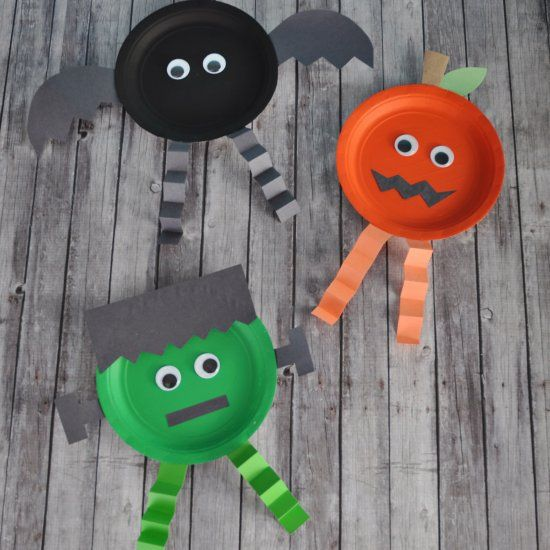 These paper plate Halloween characters are so easy and fun for kids - preschool halloween decorations