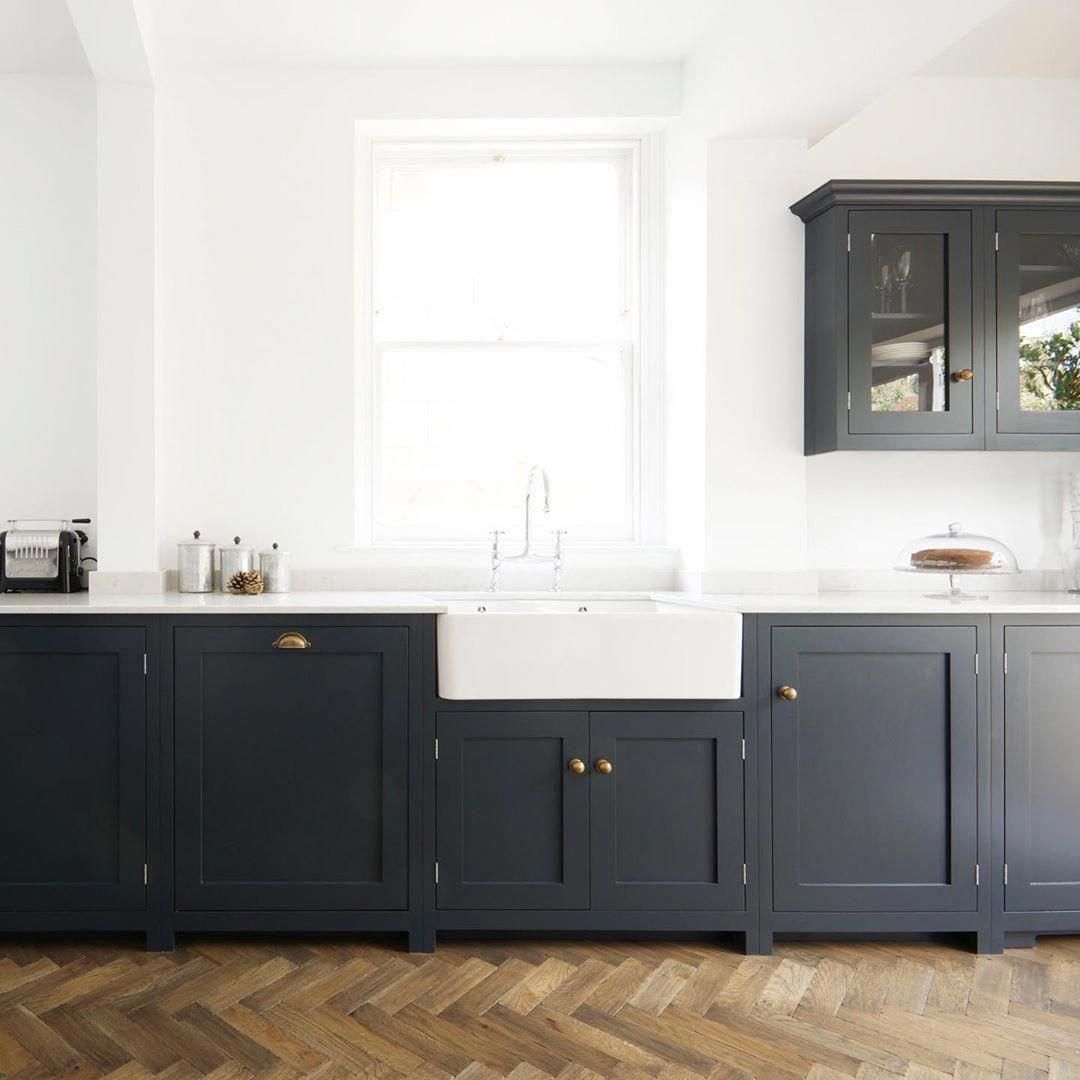 """deVOL Kitchens on Instagram: """"This project feels as though it shouldn't really be a #ThrowbackThursday post, it still looks contemporary and cool even though it was…"""" #devolkitchens"""