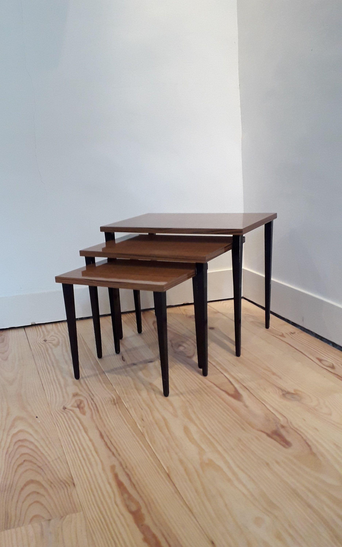 Table Basse En Formica set de 3 tables gigognes en bois et formica, vintage, pieds