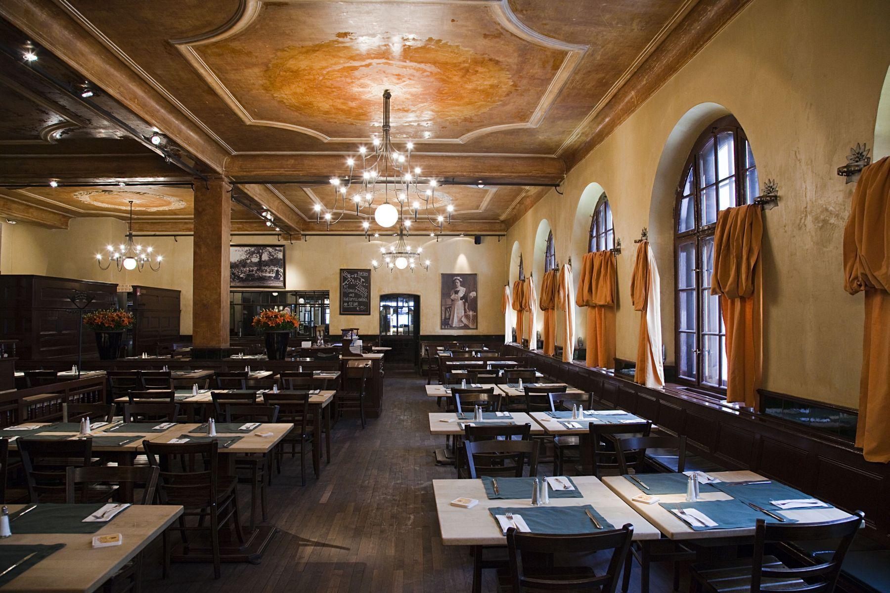 Inside Haxnbauer , Restaurant In Downtown Munich München, Haxn, Haxen,  Bayerische Küche