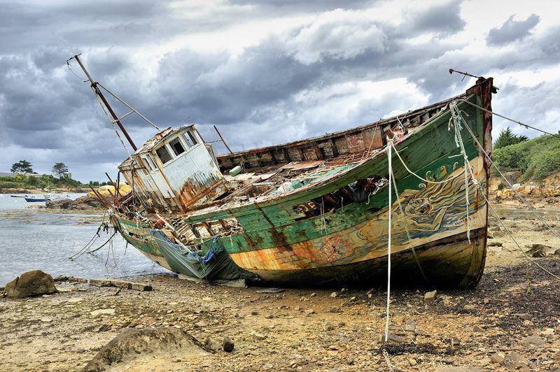 Asc7009 Epave Sur L Ile De Brehat En Bretagne Abandoned Ships Boat Fishing Boats