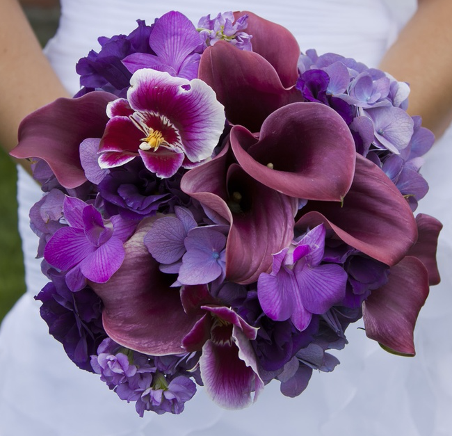 Amazingly Beautiful Wedding Bouquet: in all shades of purple .♥