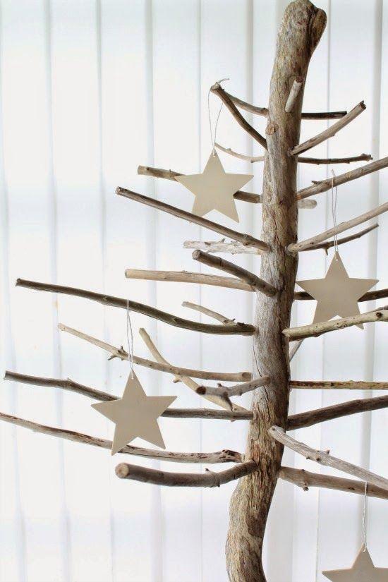 Les jolies choses de no l 3 un sapin avec du bois flott for Acheter un sapin en bois flotte