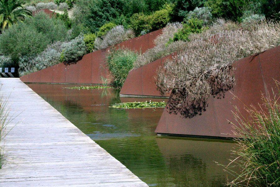 El jard n bot nico de barcelona by bet figueras carlos for Jardin botanico montjuic