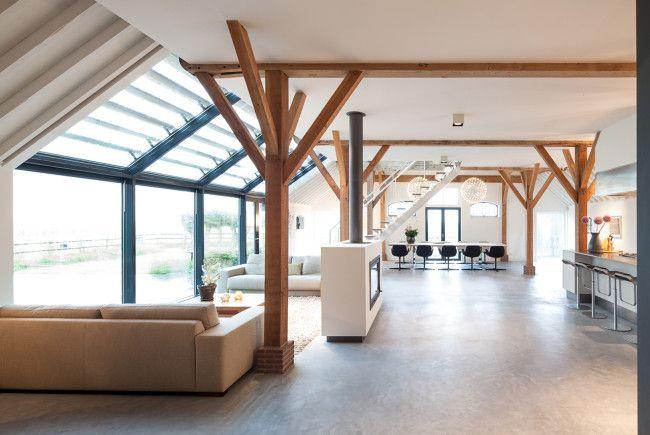 Renovatie woonboerderij monument interieur heyligers for Inrichting huis ontwerpen