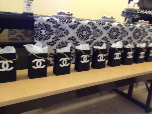 2211d2a58df49f Black - Chanel bag party favors....love the black bags! | Classy ...