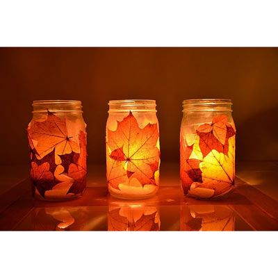 teelichter basteln befestigen sie einfach schan gefarbte blatter mit spra 1 4 hkleber an der auaenseite und setzen stummelkerzen oder hinein selber kindern