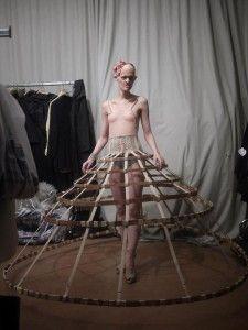 Melanie Gaydos, a modelo que está sambando na cara dos padrões de beleza! - Pêssega D'Oro