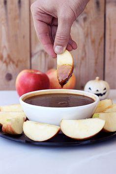 Vegan Caramel Apple Dipping Sauce (gluten-free)