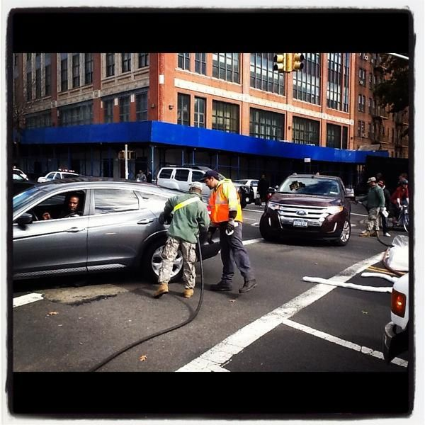 #Gas in #Brooklyn! @NationalGuardNY filling NYers cars w @fema-provided #fuel