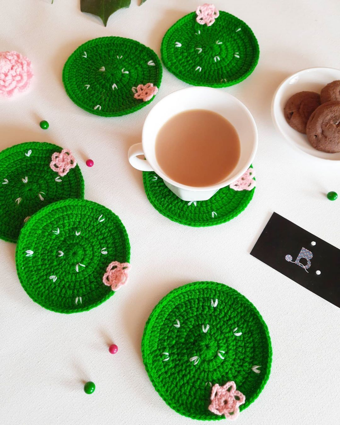 🌵Cactus inspired Table Coasters to protect your furniture and to add a bit of decor in your life.🌵 Colour - Emerald Green or Military Green. Quantity - Set of 6. Size - 4.5