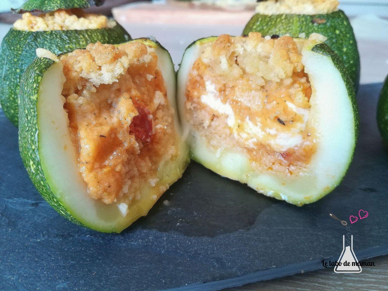 Courgettes rondes farcies aux légumes, chèvre et chorizo avec son crumble au parmesan (companion ...