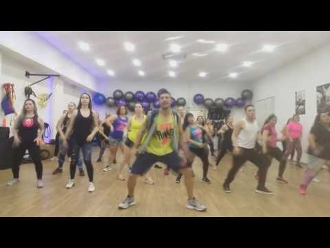 (17162) Sigueme y Te Sigo//zumba ®/ - YouTube