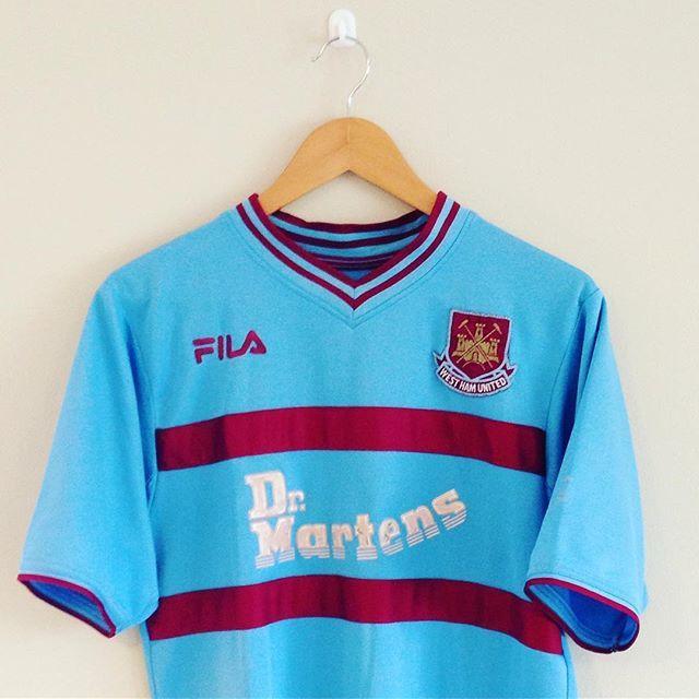 West Ham United Away Shirt 2001 02 Westham Whufc Thehammers Uptonpark Football Footballshirt Retro Retrofootball Retroshirt Vintage Vintagefoo Kleding