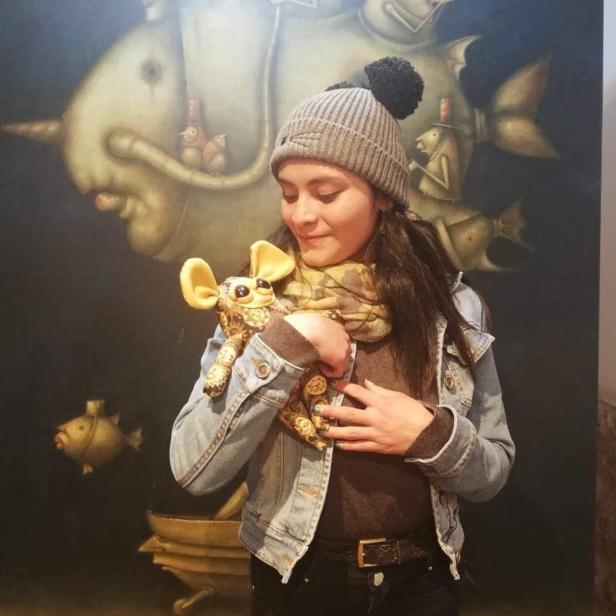 Miradas con amor 💗💗💗 Bellisima mi clau  acompañada de @elmundodeloseres .. ... ... ... ... . #soloshow #arte #dibujo #painting #instaart #artoftheday #instaartist #artsy #draw #contemporaryart #desenho #artgallery #pintura #myart #art #drawings #painting #cultura #creative #cusco  #artist #arts #paint #fineart #kunst #mo