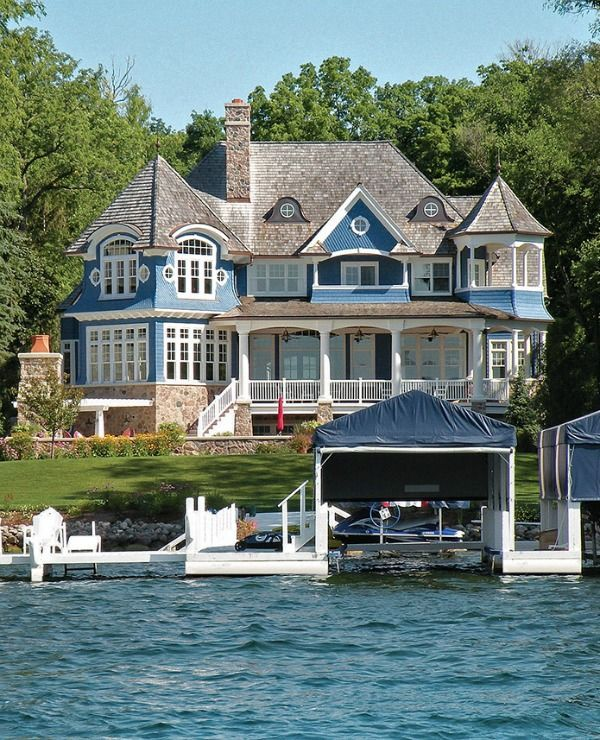 A Blue White Lake House In Wisconsin Lake Houses Exterior