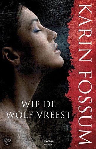 Wie De Wolf Vreest - Karin Fossum - ISBN 9789022320679. Een psychiatrisch patiënt, die ervan verdacht wordt een oude vrouw met een bijl te hebben vermoord, wordt tijdens een bankoverval als gijzelaar meegenomen door de overvaller. Ze vluchten het bos in en verschansen zich in een oude, vervallen hut, waar ze...GRATIS VERZENDING IN BELGIË - BESTELLEN BIJ TOPBOOKS VIA BOL COM OF VERDER LEZEN? DUBBELKLIK OP BOVENSTAANDE FOTO!