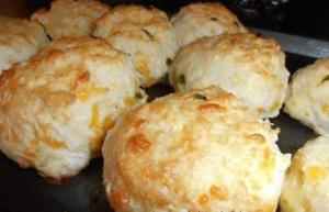 Cheesy Garlic Biscuits in 2019 Cheesy garlic biscuits