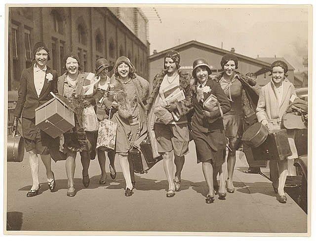 Ingenues arrive, Central Station, Sydney, 1928-1929 / by Sam Hood