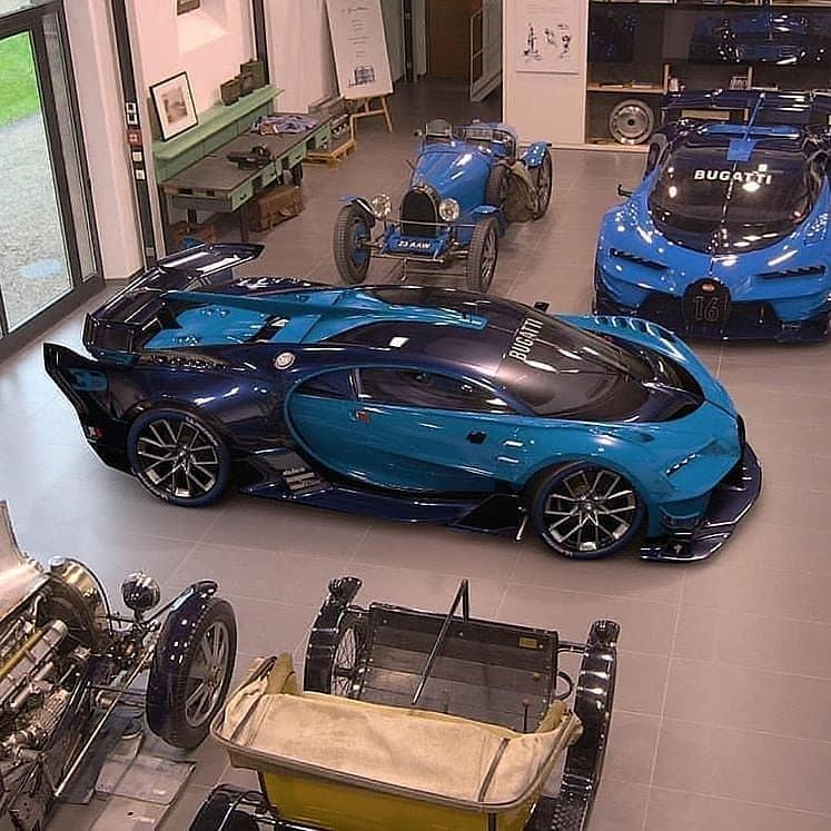 Custom Bugatti Veyron Super Rear View: FOLLOW @SupercarsBuzz For More