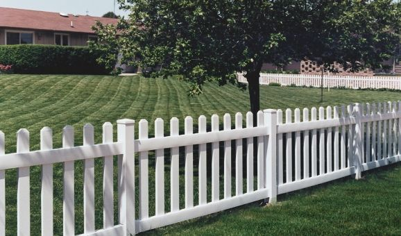 Vinyl Fence Rockwall Tx Fence Company Maverick Fence Company Pvc Fence Outdoor Vinyl Fence
