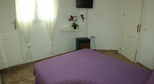 El Rincón de Isabel - #Guesthouses - $38 - #Hotels #Spain #ConildelaFrontera http://www.justigo.in/hotels/spain/conil-de-la-frontera/el-rincan-de-isabel_6767.html