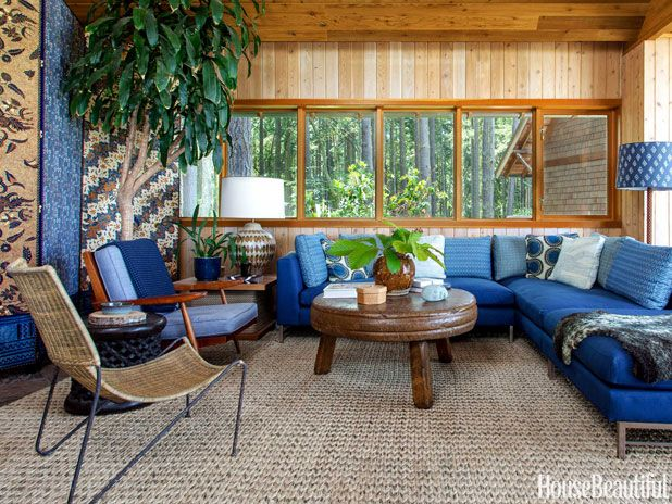 Rustic Living Room By Markham Roberts Inc By: A Warm And Rustic House