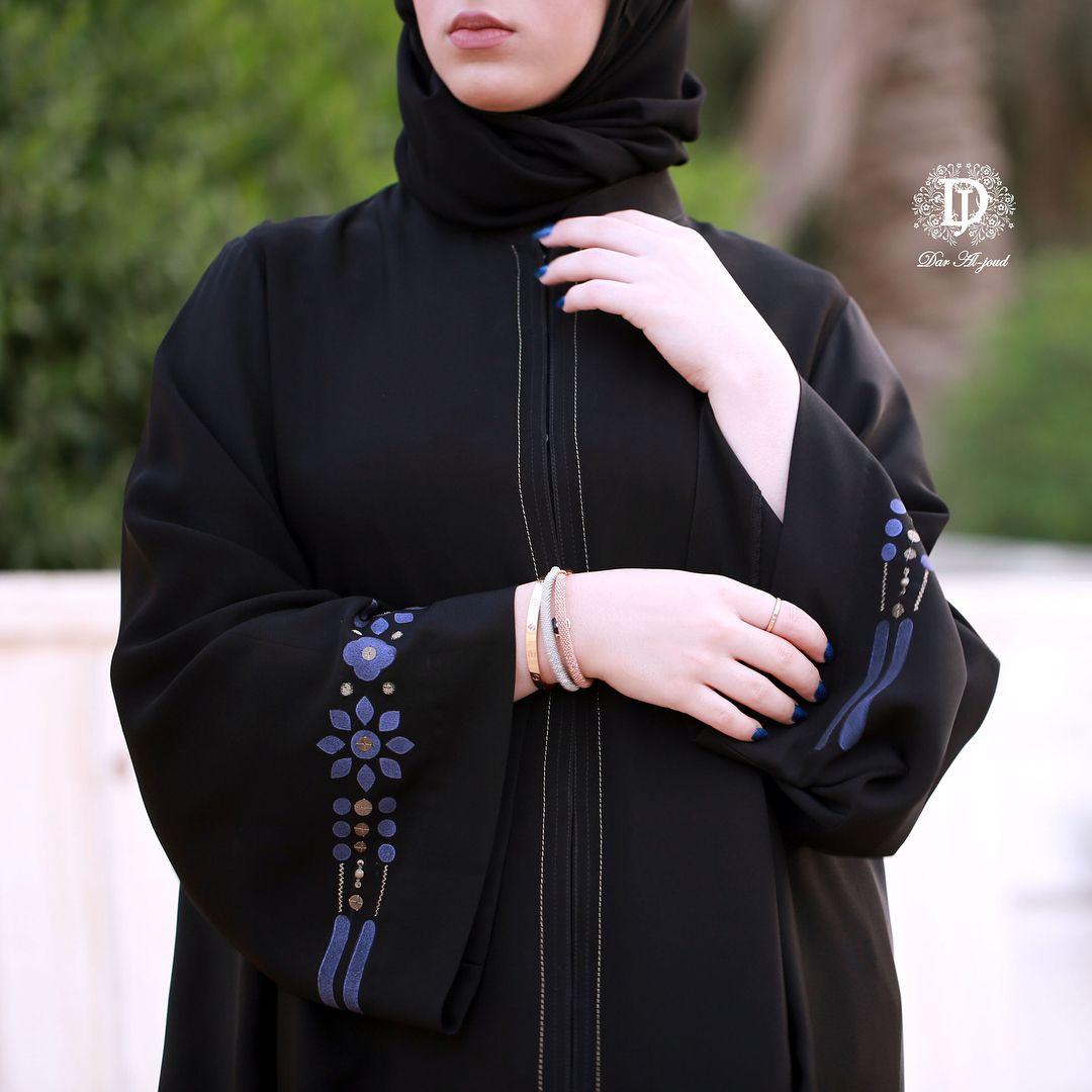 أرقى وأفخم عبايات الصيف في دار الجود السالمية شارع بغداد ت ٢٥٧٢٥٧٧٢ Abaya Fashion Dubai New Abaya Style Abaya Fashion
