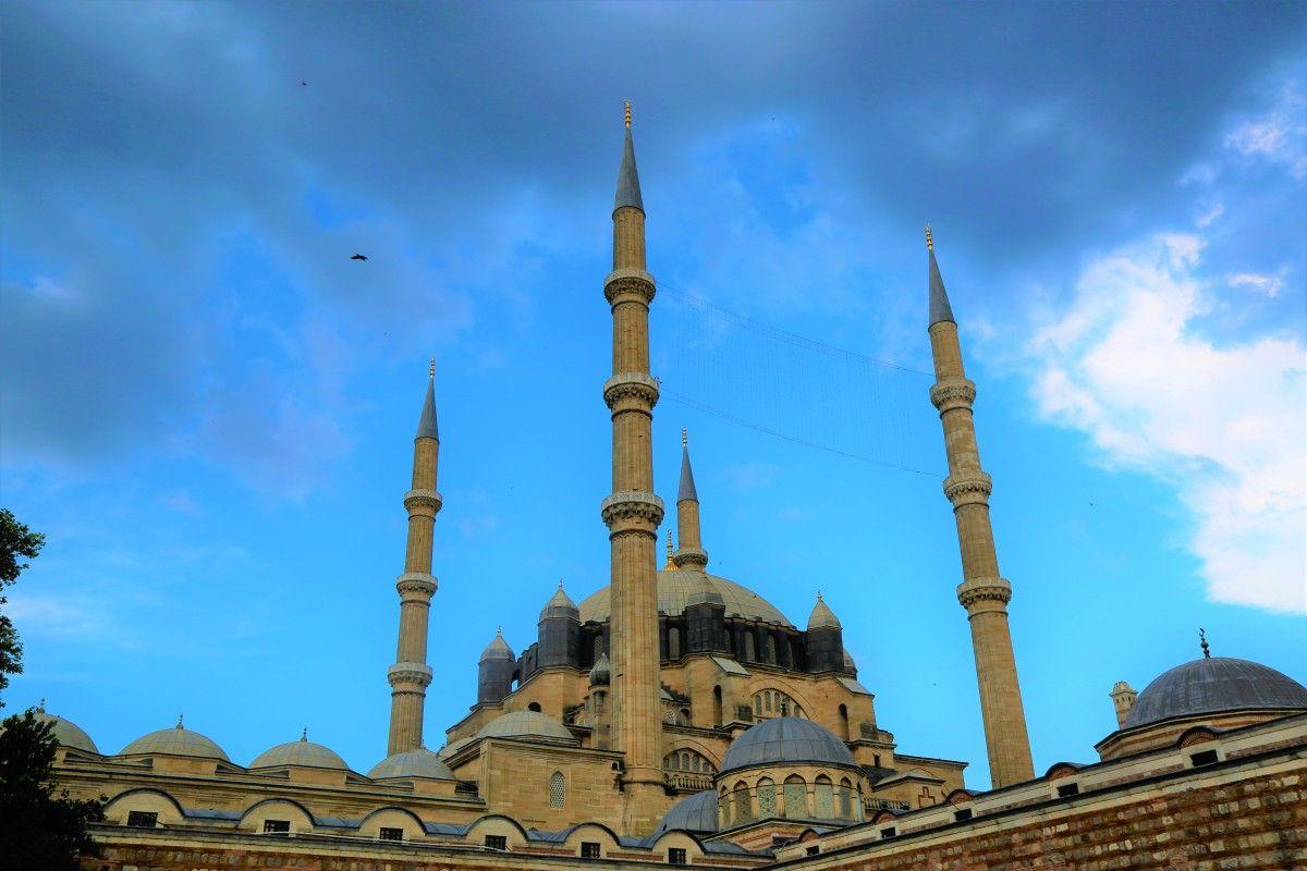 صورة عالية الدقة خالية من المسجد المئذنة القبة الهندسة المعمارية التاريخية المدينة الدين جزيرة Barcelona Cathedral Cathedral Photo