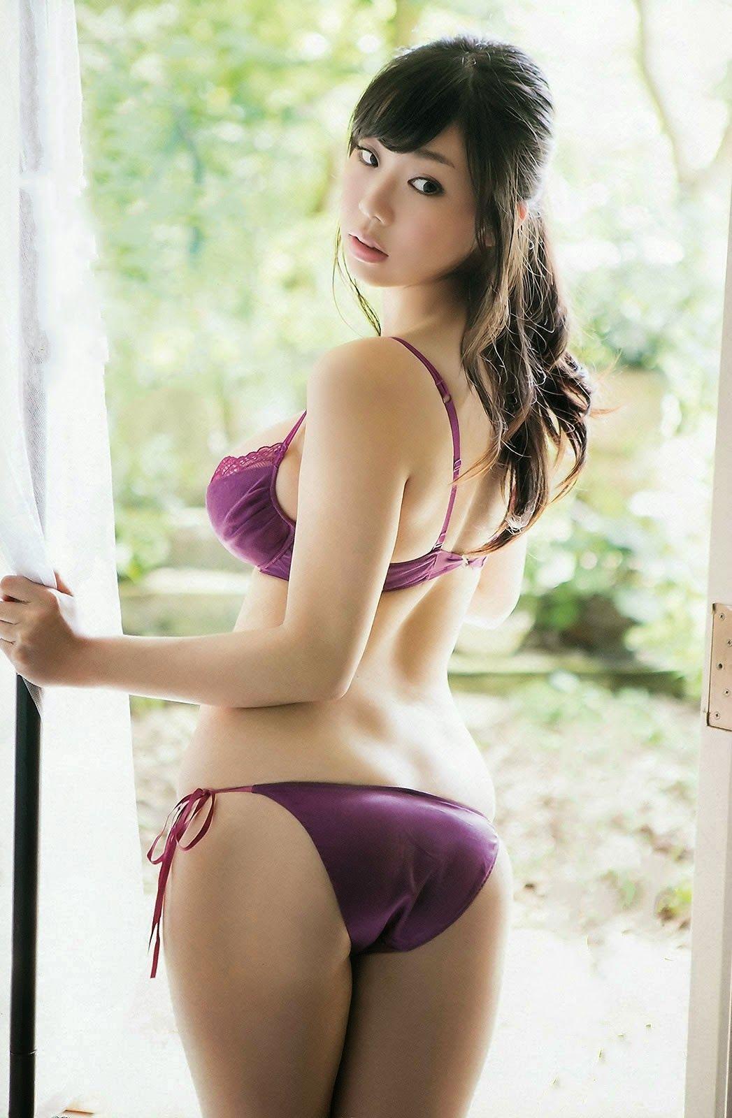 Samll tits and ebony panties