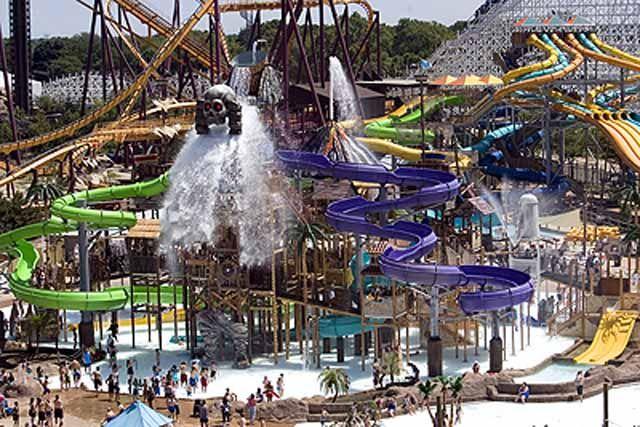 Six Flags Great America Amusement Park Authority Theme Parks Usa Water Park Theme Park