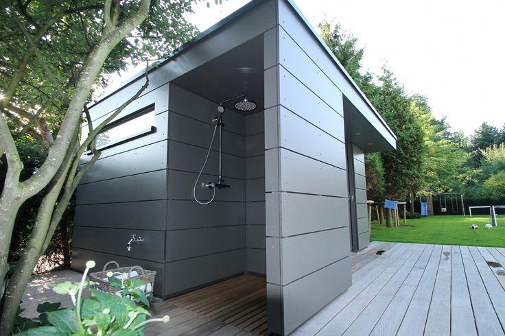 Charakteristisch für dieses moderne Holz Gartenhaus ist das