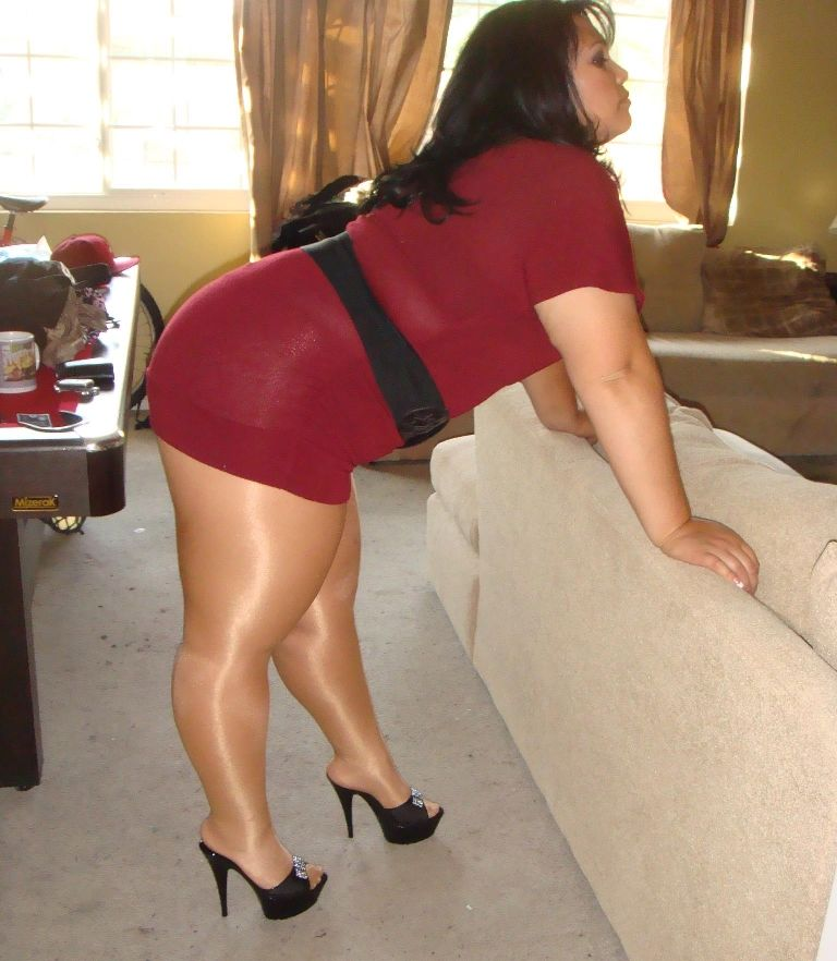 Bbw wearing pantyhose