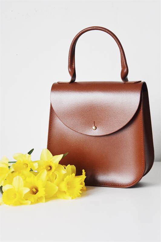 The Chestnut Bloomsbury by Charlotte Elizabeth (A prince s Trust Success  Story). Stunning handbag. £139.00 98e9412fac