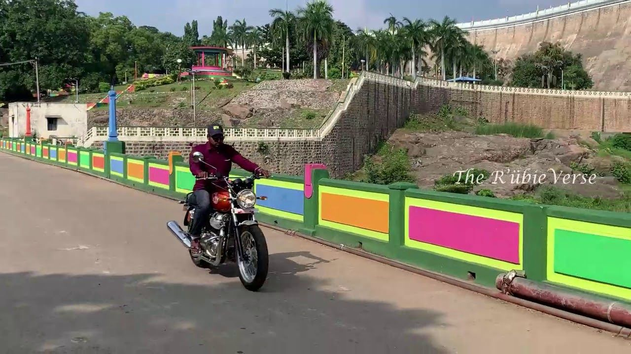 Photo of Interceptor 650 Riding – Royal Enfield
