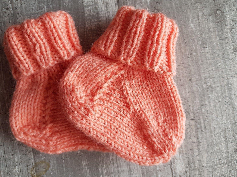 Babygarnitur für ein Mädchen | Babyjacke stricken ...