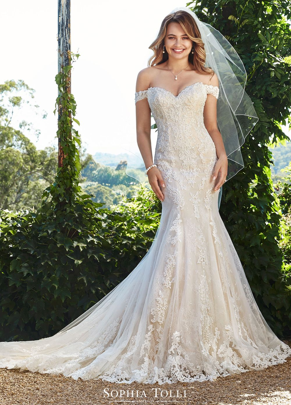 Sophia Tolli Y18 Kacey Sweetheart Neckline Wedding Dress in ...