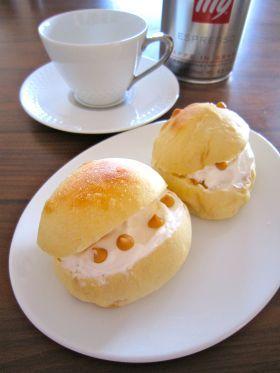 「●ホイップ入りキャラメルラテパン」よーちんママ | お菓子・パンのレシピや作り方【corecle*コレクル】