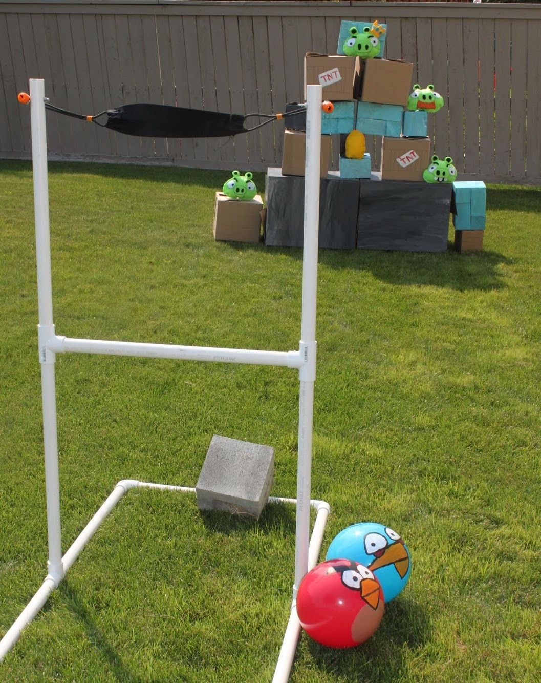 How to play Angry Birds in real life!   Backyard party games, Diy ...