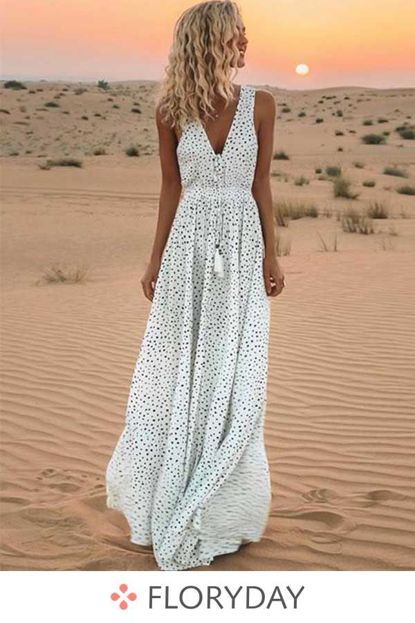 Maxi dress without sleeves and dots