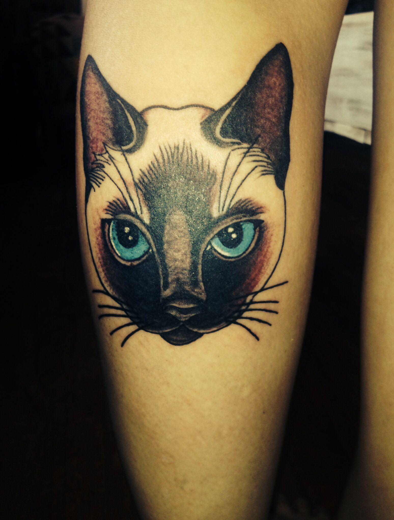 siamese cat tattoo cat siamese cat tattoo cat tattoo tattoos rh pinterest ch siamese cat tattoo small siamese cat tattoo design idea