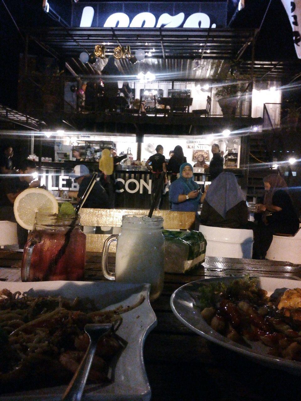 Photos à Leezo Container Restaurant à Batu Pahat Batu