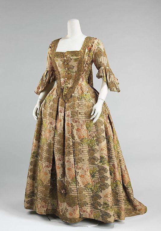 Robe la fran aise en soie des ann es 1730 d 39 europe for Concepteur de robe de mariage russe