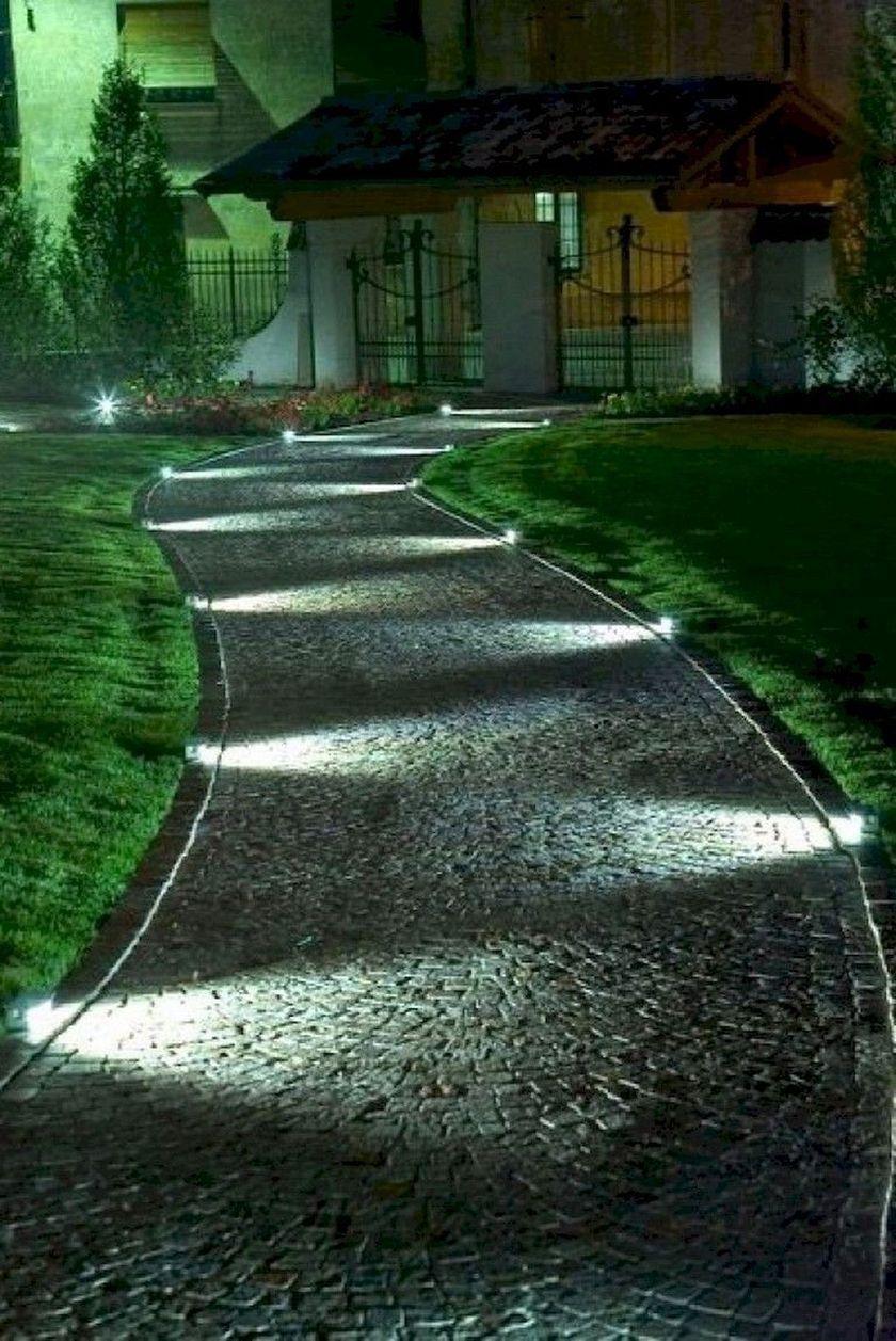 40 Beautiful Lighting Ideas For Front Yard In 2020 Vorgarten Ideen Gartenweg Beleuchtung Garten