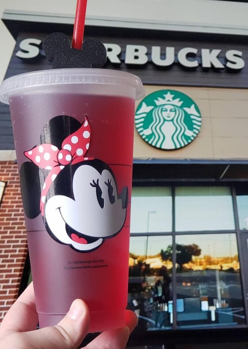 Disney Starbucks Cup Minnie Mouse Starbucks Cup Disney Cup Etsy In 2020 Starbucks Cups Disney Starbucks Personalized Starbucks Cup