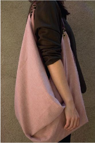 DIXON, a scarf that turns into a tote bag. Yes, please.