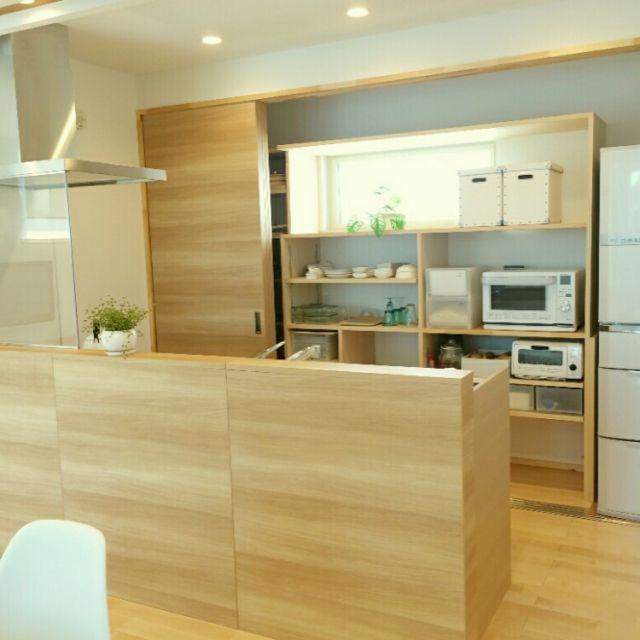 キッチン シンプルモダン ナチュラルモダン 北欧 パイン材の床 など