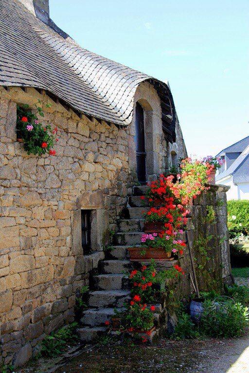 Maison traditionnelle bretonne restaurée Cette longère